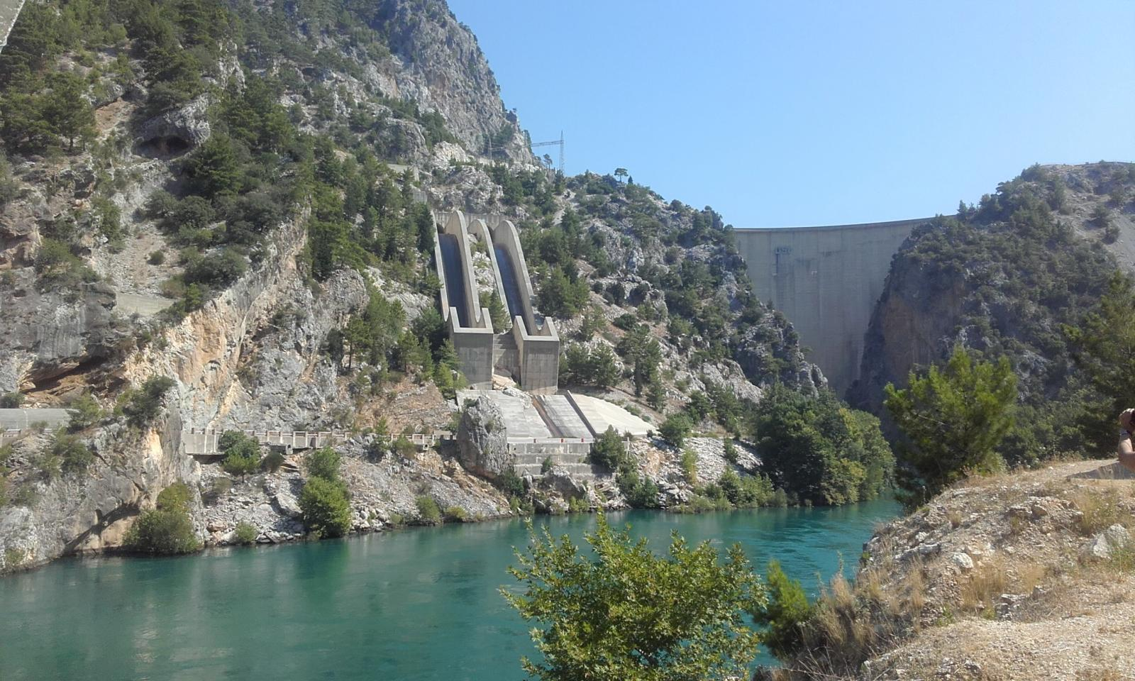 Чудо турецкой гидротехнической мысли плотина Оймапинар